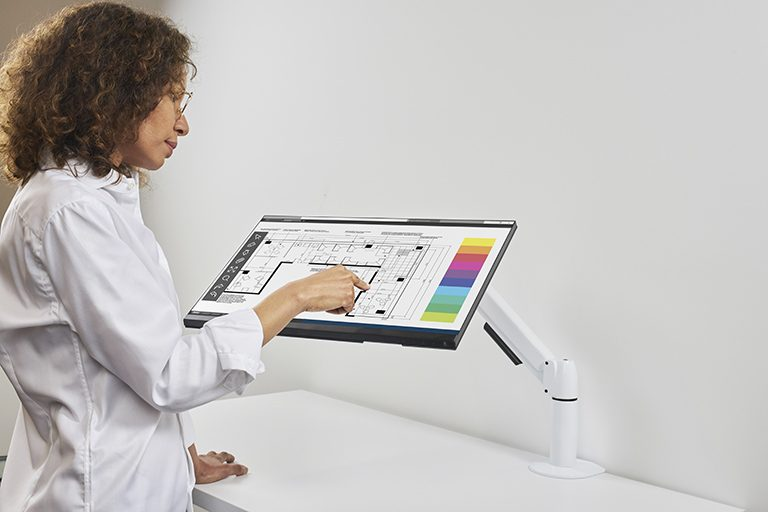 Flyt monitor arm for touchscreen monitors